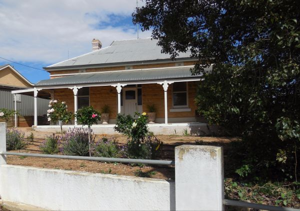 Book Keepers Cottage Waikerie - Accommodation Gladstone