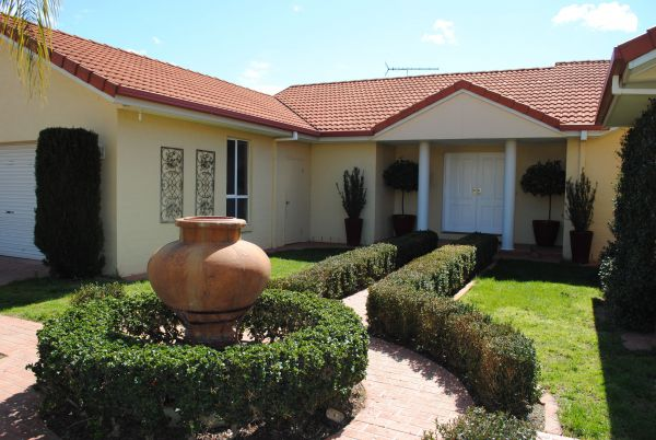 Casa Pizzini Bed and Breakfast - Accommodation Gladstone