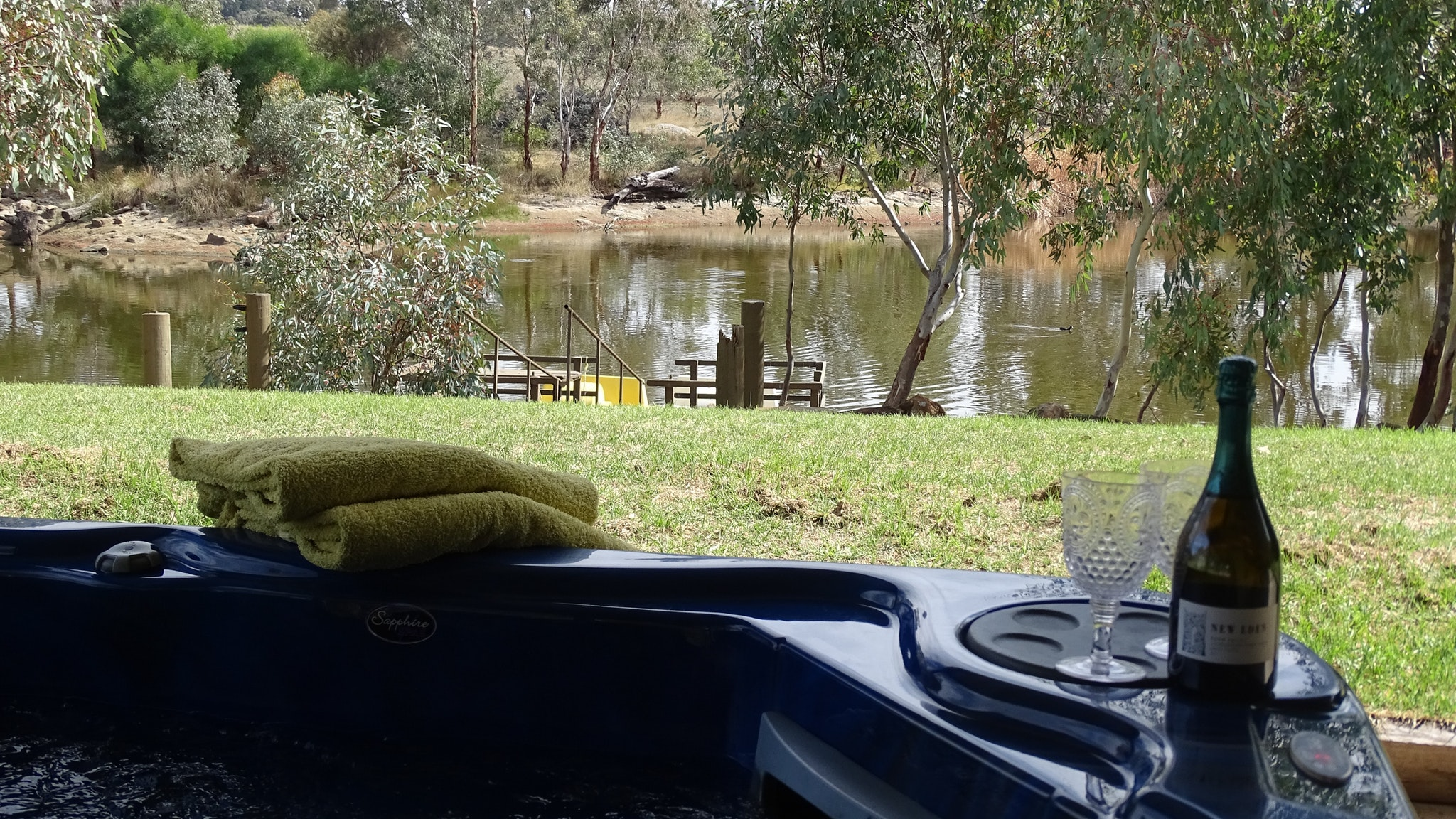 Jandas Lake View - Accommodation Gladstone