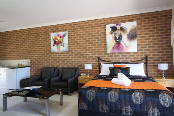 Top of the Town Motor Inn Yackandandah - Accommodation Gladstone