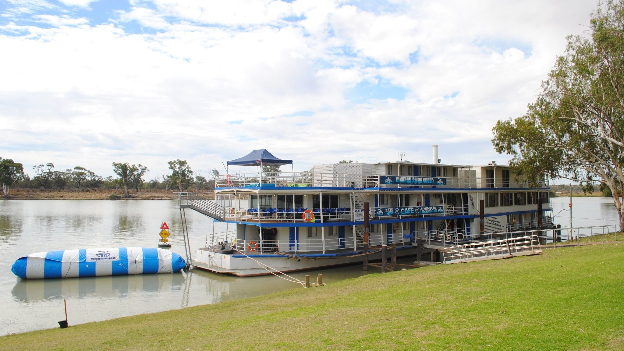 Murray River Queen Backpackers - Accommodation Gladstone