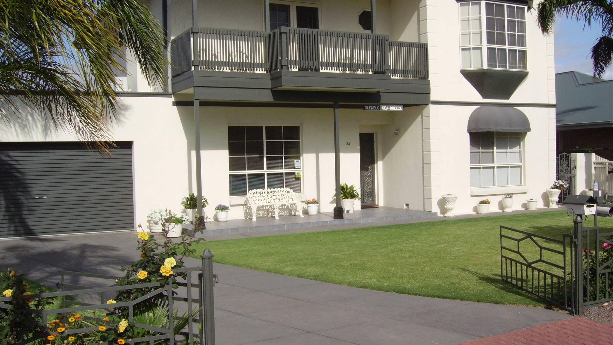 Glenelg Sea-Breeze B&B - Accommodation Gladstone