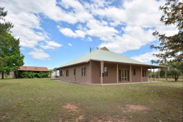 Grasmere Estate Homestead - Accommodation Gladstone