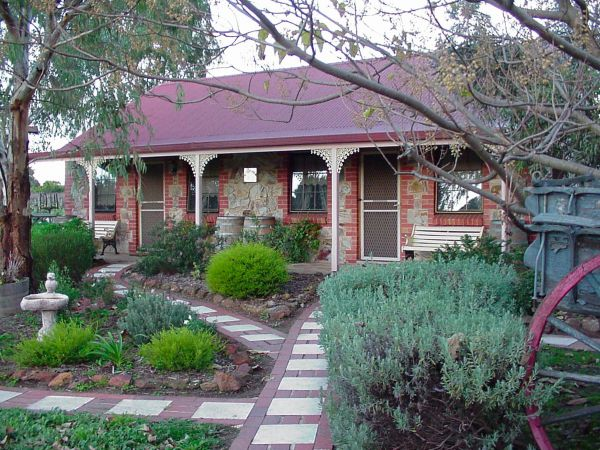 Langmeil Cottages - Accommodation Gladstone