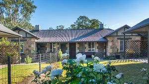 Stoneleigh Cottage Bed and Breakfast - Accommodation Gladstone