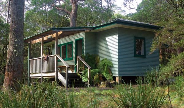 Toms Cabin - Accommodation Gladstone