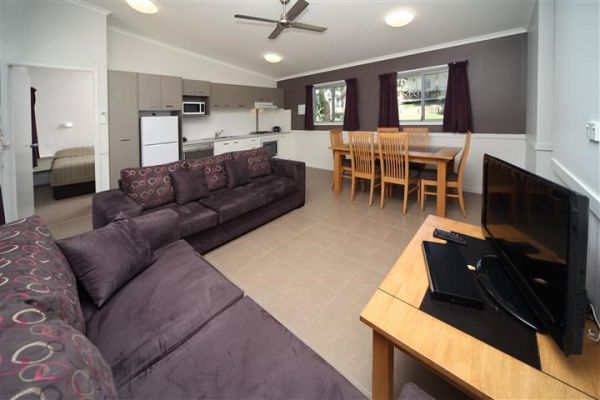 Ulladulla Headland Holiday Park - Accommodation Gladstone