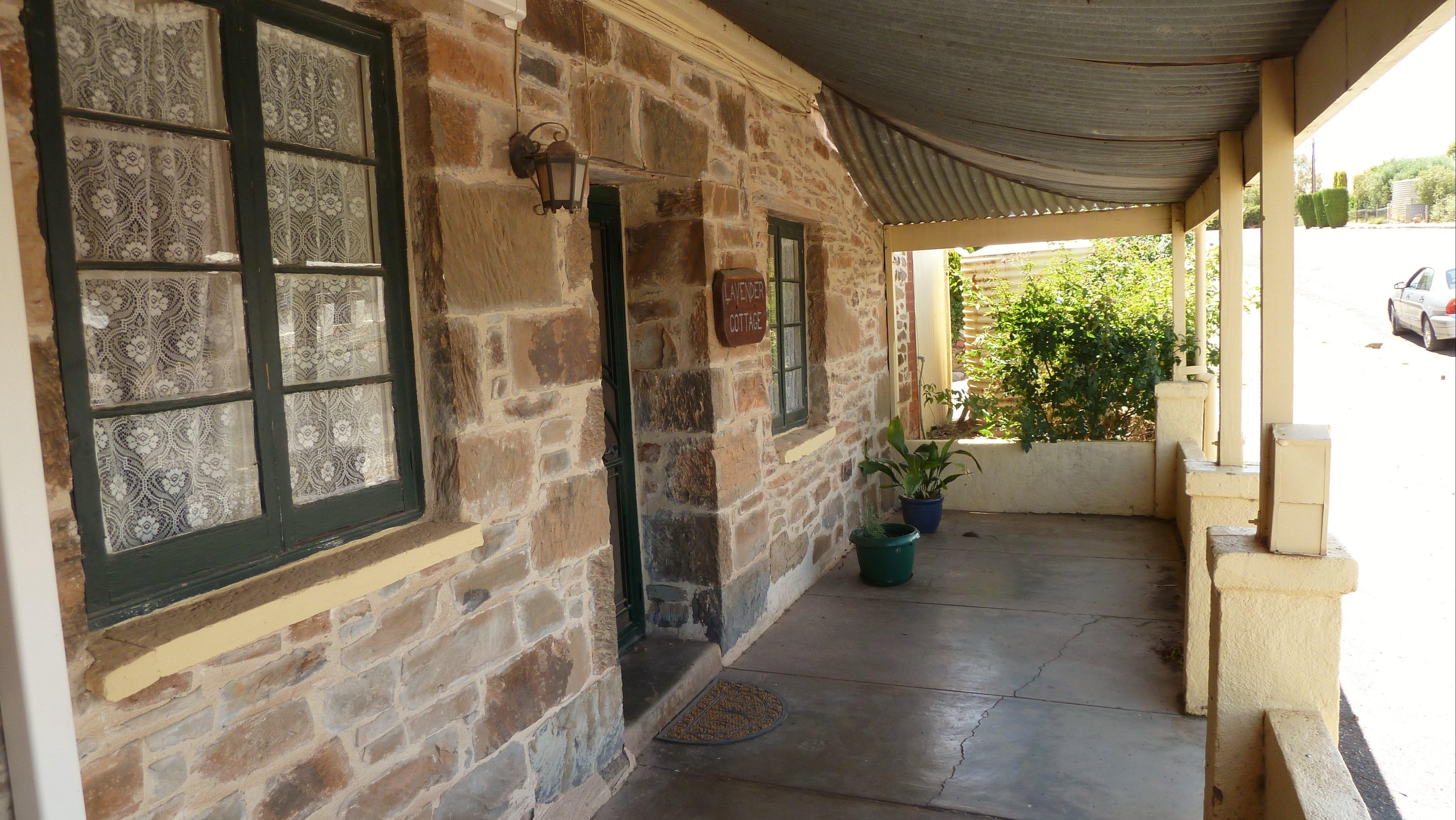 Lavender Cottage Bed And Breakfast Accommodation - Accommodation Gladstone