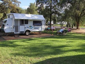 Cobar Caravan Park - Accommodation Gladstone