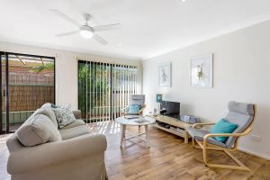 Shearwater at Shoal Bay Cottage One - Dogs Welcome - Accommodation Gladstone