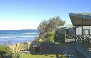 Berrara Beach Holiday Chalets - Accommodation Gladstone
