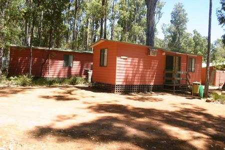 Dwellingup Chalets And Caravan Park - Accommodation Gladstone