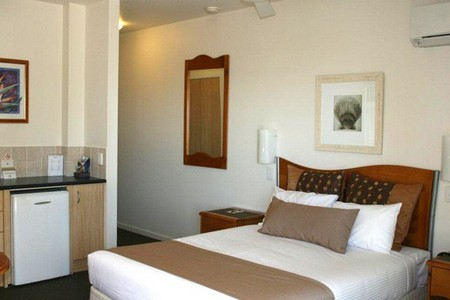 Yamba Beach Motel - Accommodation Gladstone