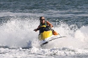 Extreme Jet ski Hire - Accommodation Gladstone