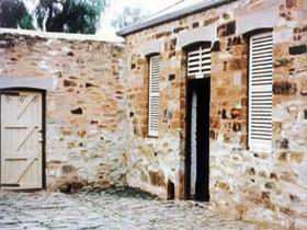 Police Lockup And Stables - Accommodation Gladstone