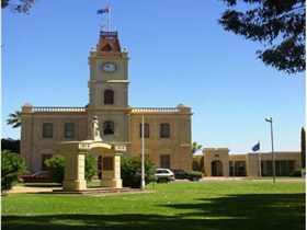 Discovering Historic Kadina Town Walk - Accommodation Gladstone