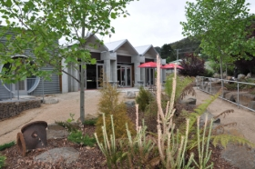 Tin Dragon Interpretation Centre and Cafe - Accommodation Gladstone