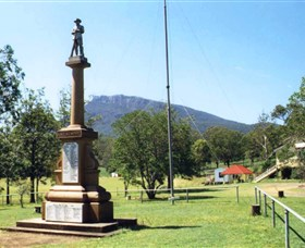 Maroon State School War Memorial - Accommodation Gladstone