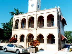Mackay Town Hall - Accommodation Gladstone