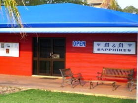 M and M Sapphires - Accommodation Gladstone
