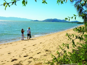 Bushland Beach - Accommodation Gladstone