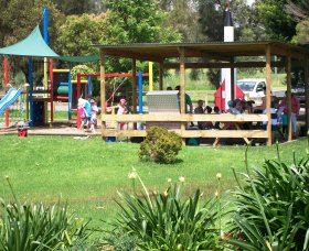 Nowra Golf Range and Putt Putt - Accommodation Gladstone