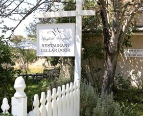 Mayfield Vineyard Cellar Door - Accommodation Gladstone