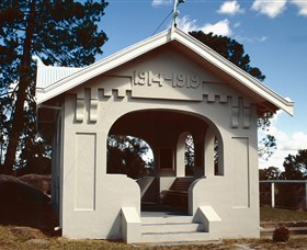 Stanthorpe Soldiers Memorial - Accommodation Gladstone