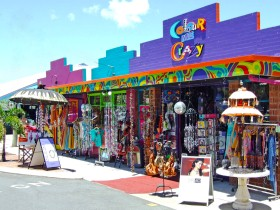 Colour Me Crazy - Accommodation Gladstone