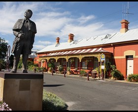 Forbes Railway Arts and Visitor Information Centre - Accommodation Gladstone