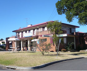 Hotel Oaks - Accommodation Gladstone
