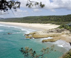 Main Beach North Stradbroke Island - Accommodation Gladstone