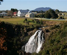 Waratah Falls - Accommodation Gladstone