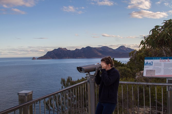 4x4 and Lunch Half Day Freycinet National Park - Accommodation Gladstone