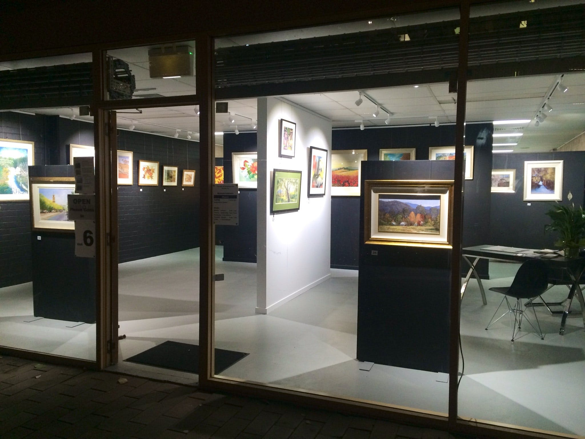 The Hunter Street Gallery of Fine Arts - Accommodation Gladstone