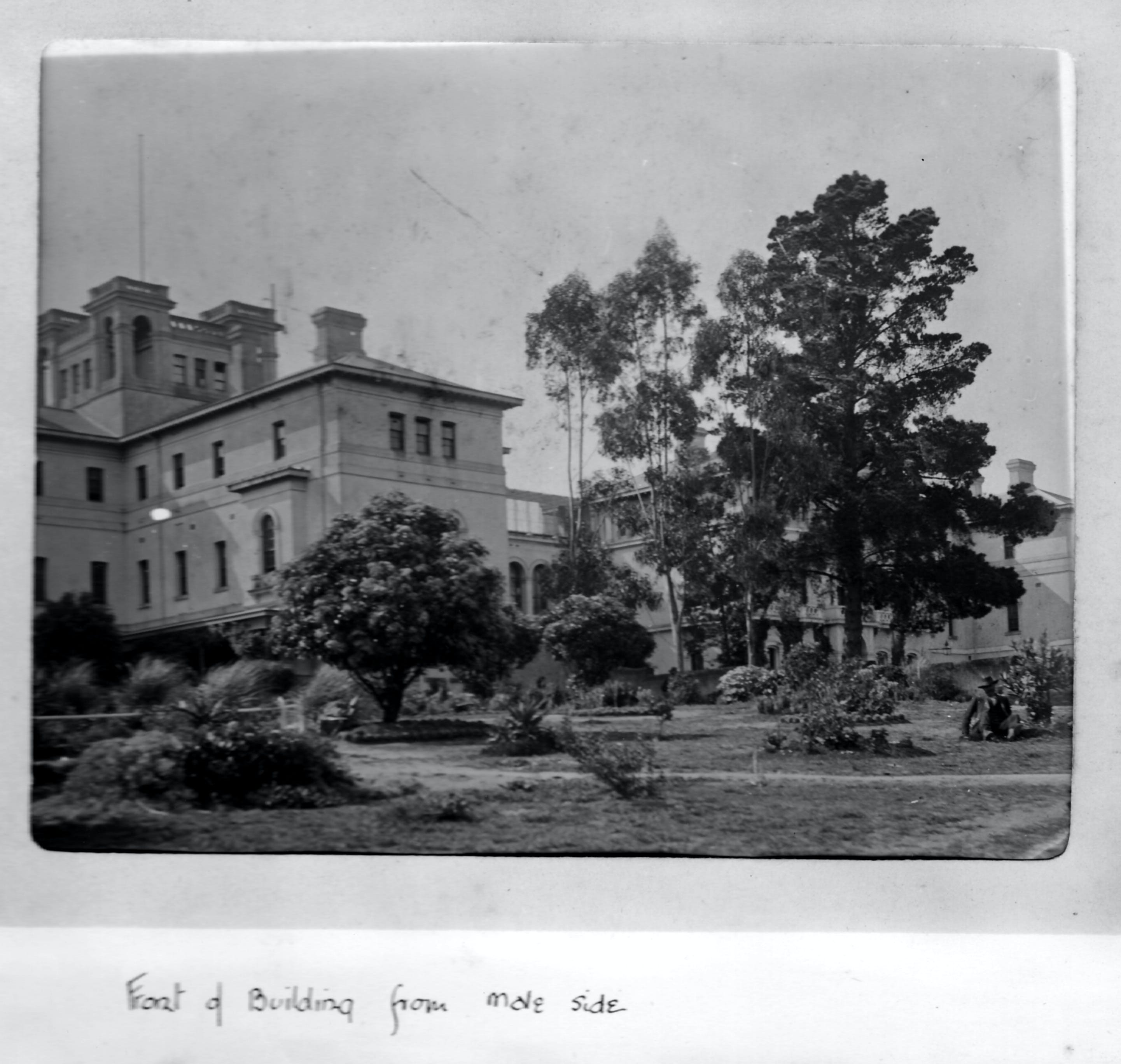 Aradale Lunatic Asylum - Accommodation Gladstone