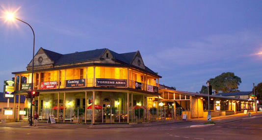 Torrens Arms Hotel - Accommodation Gladstone