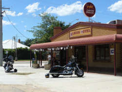 Albion Hotel Swifts Creek - Accommodation Gladstone