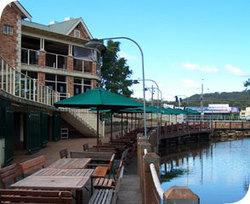 The Woodport Inn - Accommodation Gladstone