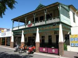 Shamrock Hotel Alexandra - Accommodation Gladstone