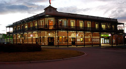 The Grand Terminus Hotel - Accommodation Gladstone