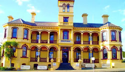 The Queenscliff Historic Royal Hotel - Accommodation Gladstone