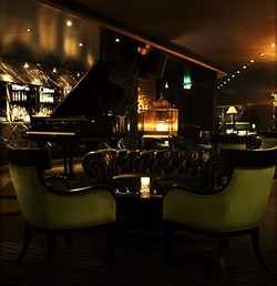 Trademark Hotel Lounge Bar and Piano Room - Accommodation Gladstone