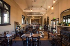 Union Bank Wine Bar - Accommodation Gladstone