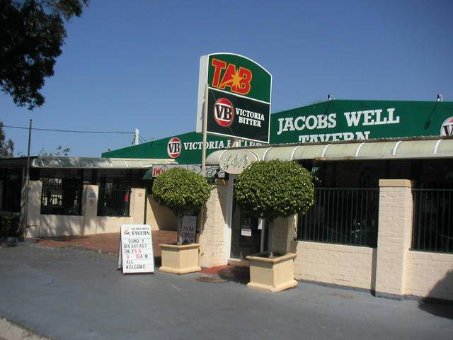 Jacobs Well Bayside Tavern - Accommodation Gladstone