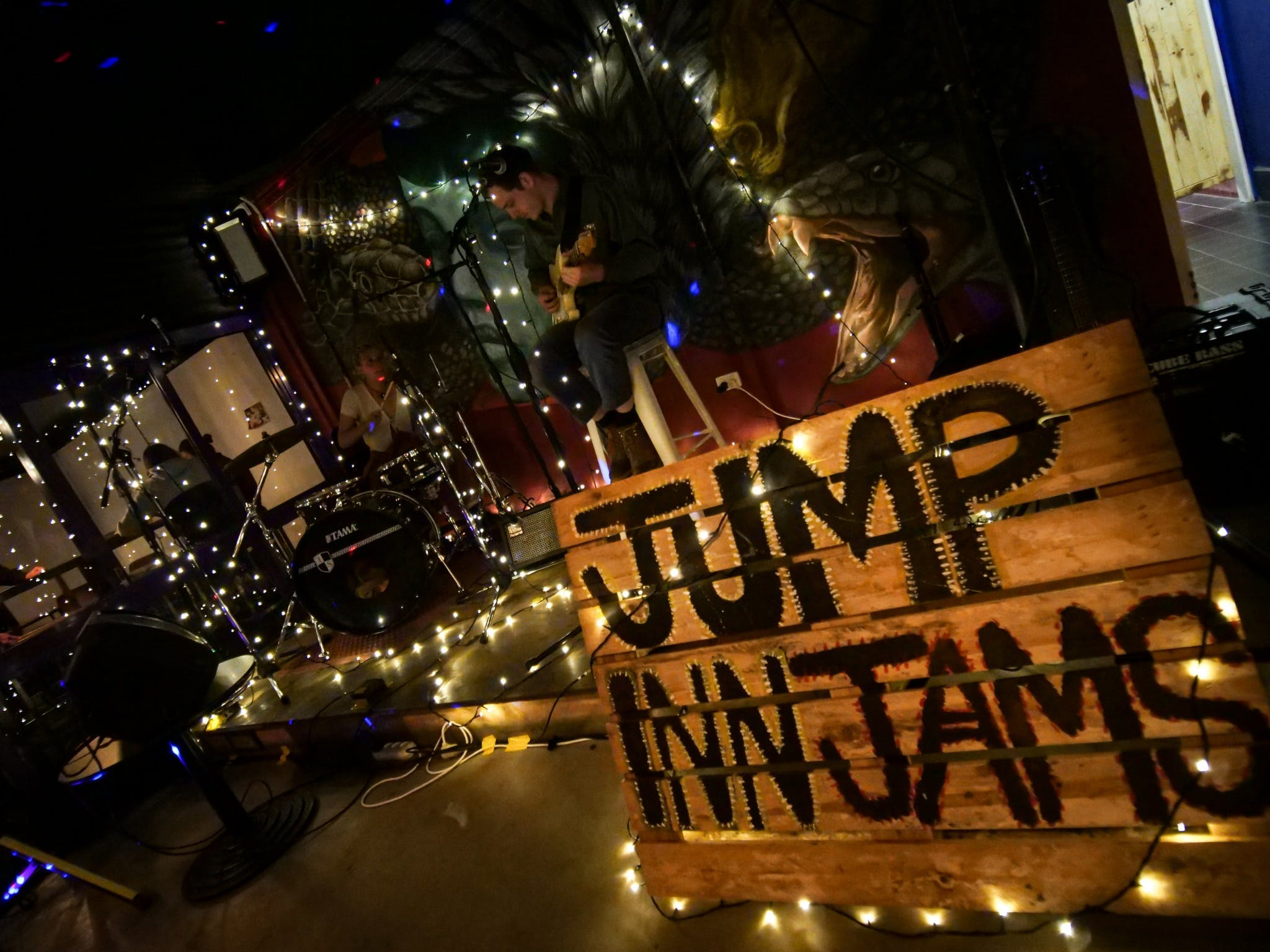 Jump Inn Jam Sessions - Accommodation Gladstone