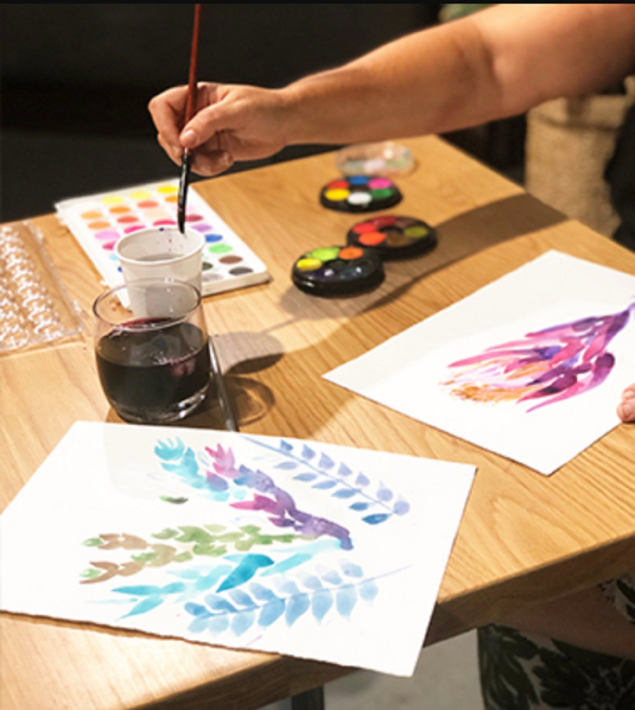 Paint and Sip Class Watercolour and Wine - Accommodation Gladstone