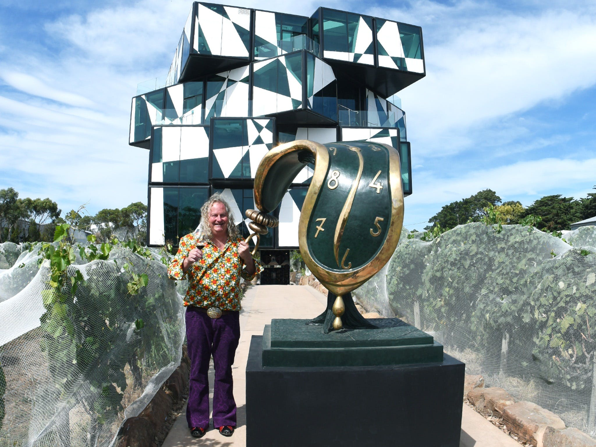 Salvador Dali Sculpture Exhibition - Accommodation Gladstone