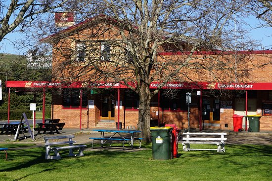 Snow Goose Hotel Adaminaby - Accommodation Gladstone