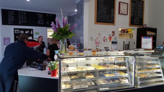 Tumut's Pie in the Sky Bakery - Accommodation Gladstone